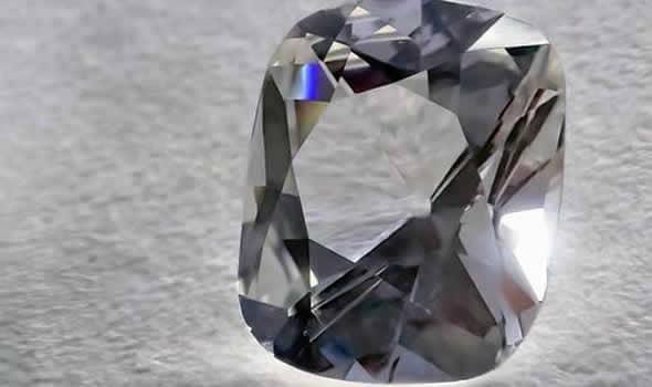 グレーのダイヤ