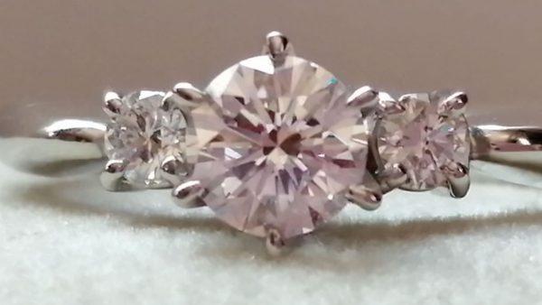 ピンクダイヤモンド指輪