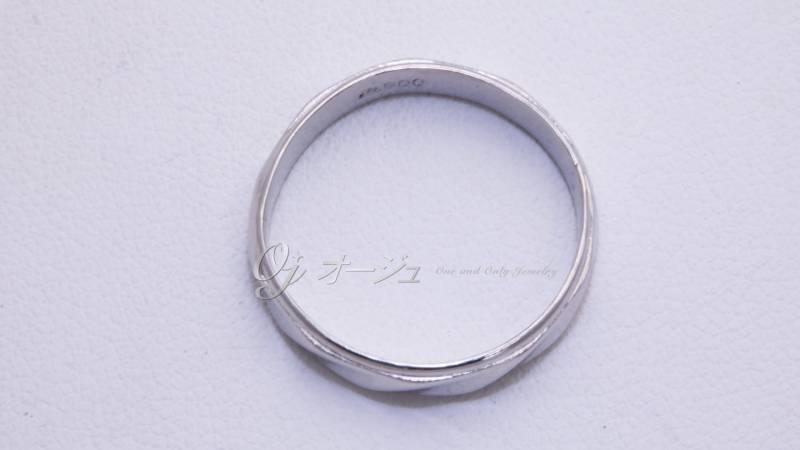 切断された結婚指輪の修復後