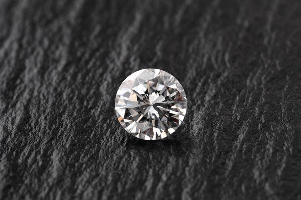 スライスダイヤモンドとは?まさかの輪切りダイヤリングが大人気!
