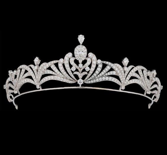 英王室御用達!歴史に裏付けられたハイジュエラーGarrardの人気の秘密に迫る!